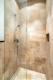 Luxuriöse Ausstattung und hochwertige Möblierung in großartiger Lage - mit offener Dusche