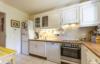 Sehr gepflegte und ruhig gelegene Gartenwohnung in grüner Wohnlage - Die Küche