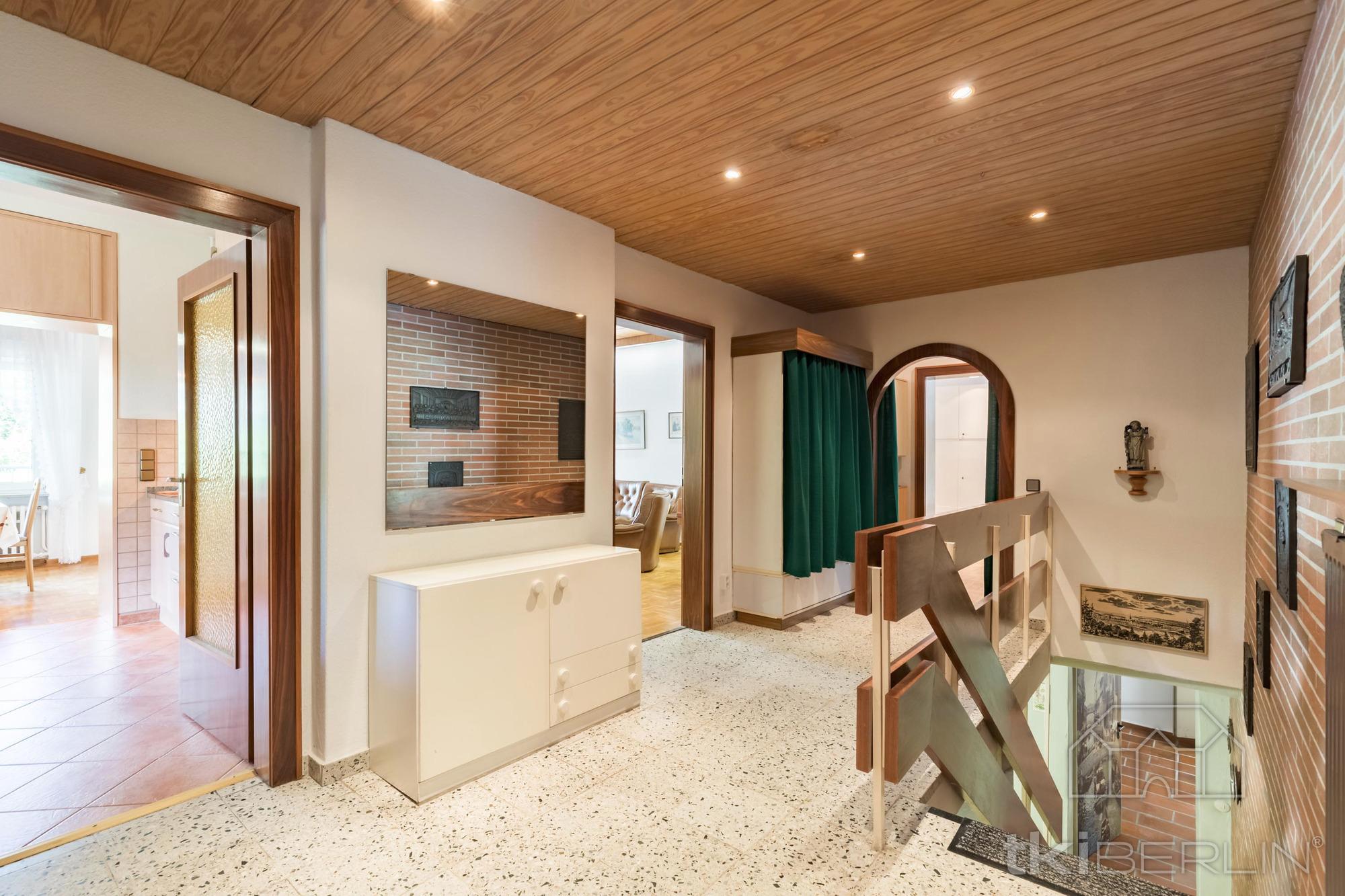 mehrfamilienhaus in berlin 383 m. Black Bedroom Furniture Sets. Home Design Ideas