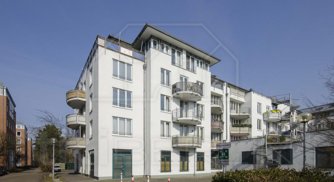 Vermietete, gepflegte Dachgeschosswohnung mit herrlicher Terrasse und Fahrstuhl 13086 Berlin, Penthousewohnung