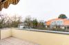Gepflegte Dachgeschosswohnung mit 3 Zimmern und Balkon in ruhiger und grüner Lage - Die Balkonaussicht