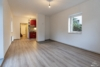 AB SOFORT: Renoviertes Einfamilienhaus mit eigenem Garten und Einbauküche - Das Wohnzimmer