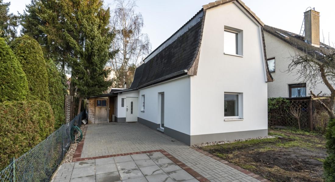 AB SOFORT: Renoviertes Einfamilienhaus mit eigenem Garten und Einbauküche 13589 Berlin, Maisonettewohnung