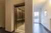Gepflegtes Penthouse mit Wasserblick und 3 Zimmern - Der Treppenflur