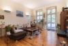 Vermietete Altbauwohnung mit 2 Zimmern und Balkon in ruhiger Lage - Das Wohnzimmer