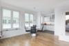 Fantastisches Wohnen auf Zeit in möbliertem Penthouse - Das helle Wohn- und Esszimmer