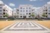 Fantastisches Wohnen auf Zeit in möbliertem Penthouse - Der Platz vor dem Haus