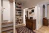 Möblierte 2-Zimmerwohnung mit Balkon und Stellplatz in zentraler Lage Moabits - Der Flur