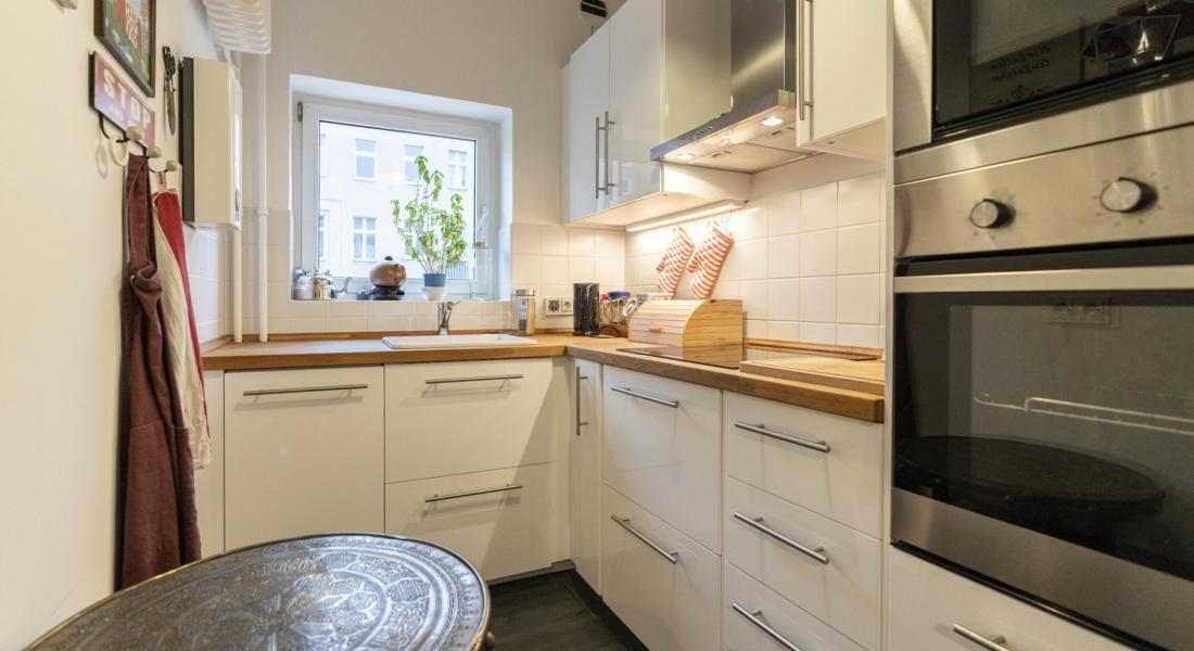 Möblierte 2-Zimmerwohnung mit Balkon und Stellplatz in zentraler Lage Moabits 10551 Berlin, Etagenwohnung
