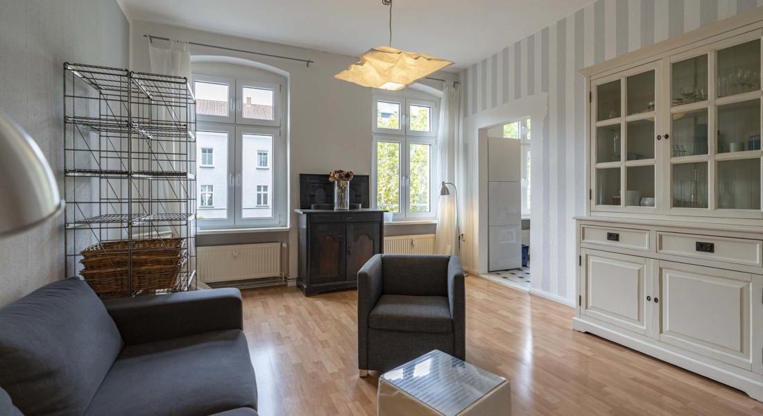 Gepflegte 2-Zimmeraltbauwohnung nur wenige Minuten vom Rosenthaler Platz 10119 Berlin, Etagenwohnung