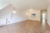 Seeblick inklusive: Gepflegte 4-Zimmerwohnung mit 2 Balkonen - Das Wohnzimmer