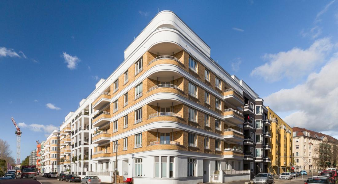 Modern möblierte Dachgeschosswohnung in perfekter Lage und Traumblick 10245 Berlin, Dachgeschosswohnung