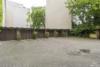 Zentral gelegene Einzelgarage zur sofortigen Nutzung - Der Hof des Hauses