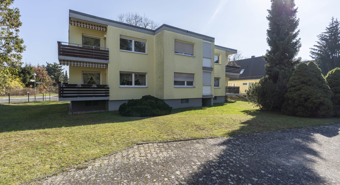 RESERVIERT: Sanierungsbedürftige, bezugsfreie 3-Zimmerwohnung mit Südwest-Balkon 12307 Berlin, Etagenwohnung