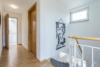 Bezugsfreie DG-Maisonettewohnung mit grünem Blick über Pankow - Der Flur im DG