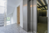 Bezugsfreie DG-Maisonettewohnung mit grünem Blick über Pankow - Der Hausflur im 5.OG