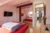 Helle Dachgeschosswohnung mit offenem Wohnbereich und zwei Terrassen - Das Schlafzimmer