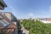 Helle Dachgeschosswohnung mit offenem Wohnbereich und zwei Terrassen - Auslick der vorderen Terrasse