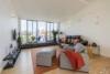 Helle Dachgeschosswohnung mit offenem Wohnbereich und zwei Terrassen - Der offene Wohnbereich