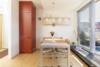 Helle Dachgeschosswohnung mit offenem Wohnbereich und zwei Terrassen - Die Küche