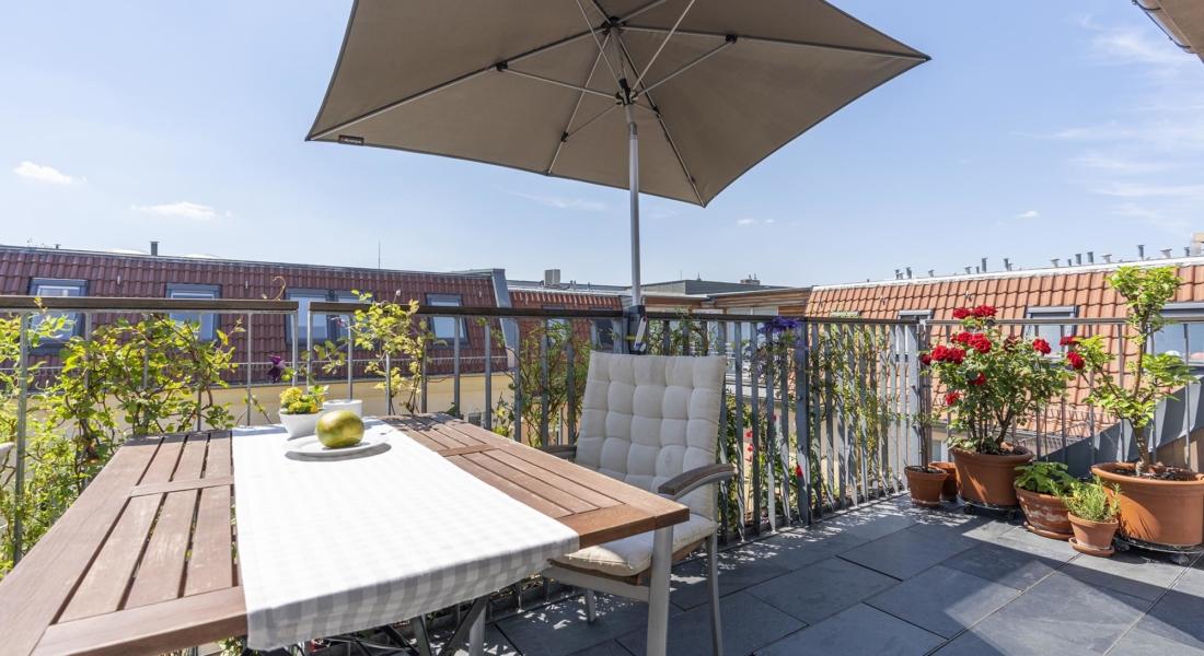 Helle Dachgeschosswohnung mit offenem Wohnbereich und zwei Terrassen 10407 Berlin, Dachgeschosswohnung
