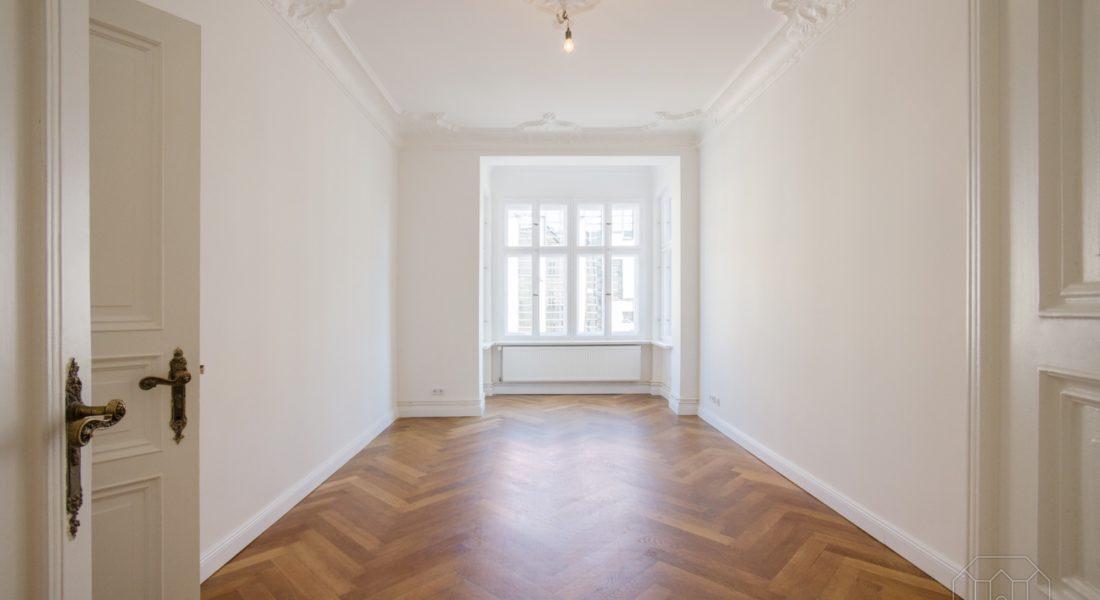 Liebevoll sanierter Stuckaltbau – hell, modern, städtisch und mit Grünblick 12099 Berlin, Etagenwohnung