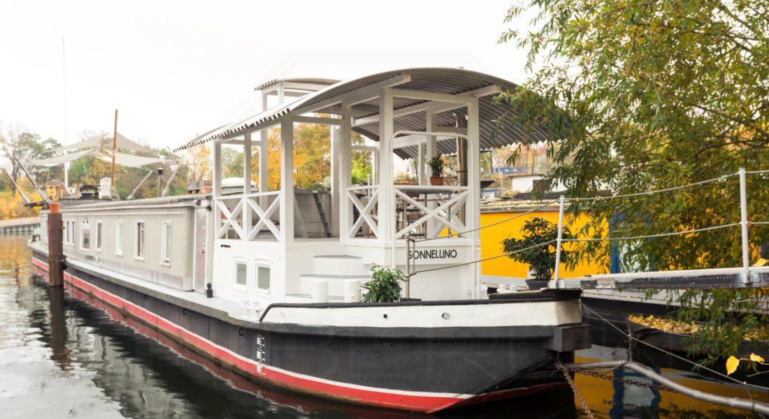 Leben auf dem Wasser – 40 Meter langes Wohnschiff im skandinavischen Vintage-Stil 13627 Berlin, Sonstige