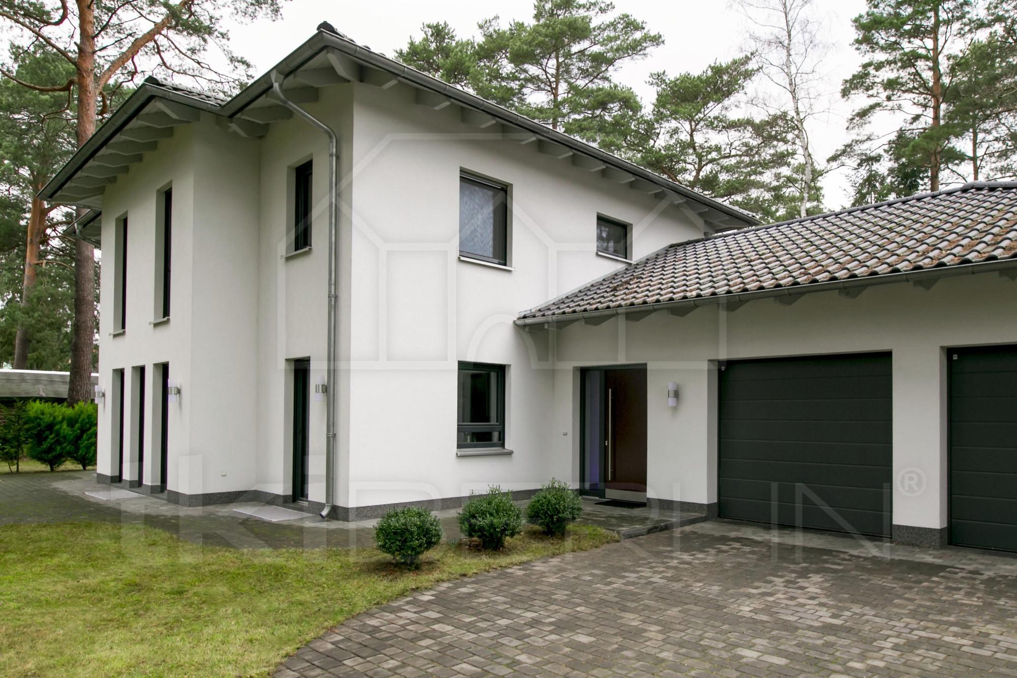 garage und eingang tkiberlin verkauf und vermietung ihrer immobilien. Black Bedroom Furniture Sets. Home Design Ideas