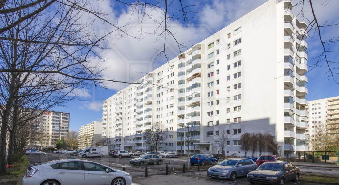 Gepflegte 3-Zimmerwohnung mit EBK und Loggia 13051 Berlin, Etagenwohnung