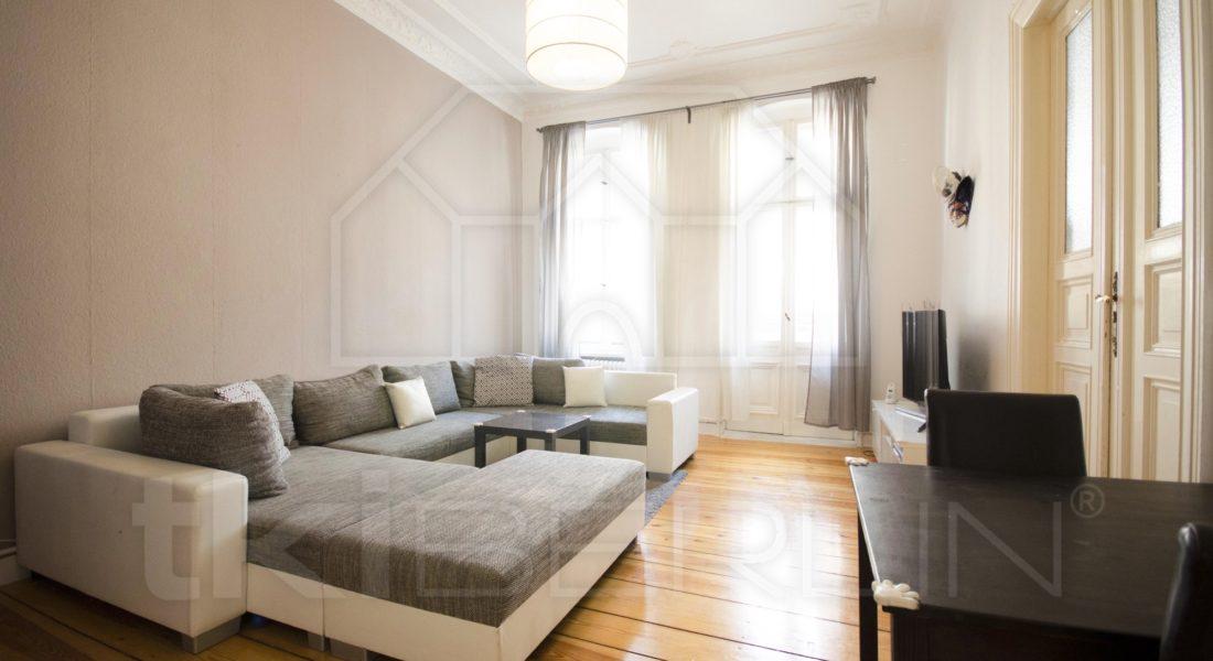 Gepflegter Stuckaltbau mit 3 Zimmern und voll ausgestatteter Einbauküche 12099 Berlin, Etagenwohnung